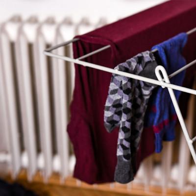 Jak správně sušit prádlo v zimě, když nemáte sušičku